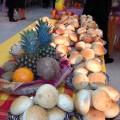 Un bon buffet antillais et réunionnais commence par une table créole bien décorée